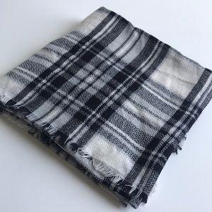 Mod Cloth scarf